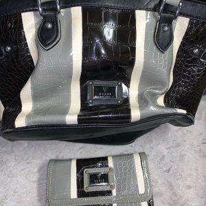 Guess purse set